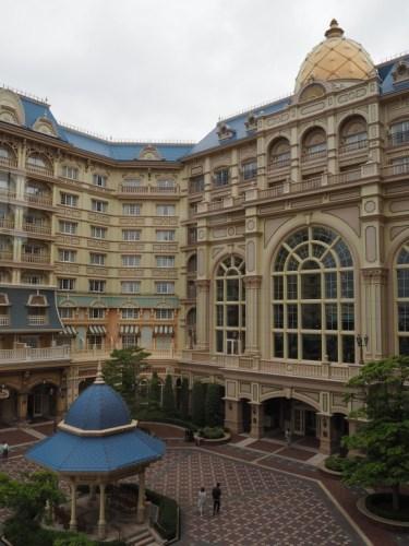 東京ディズニーランドホテル タレットルーム 中庭