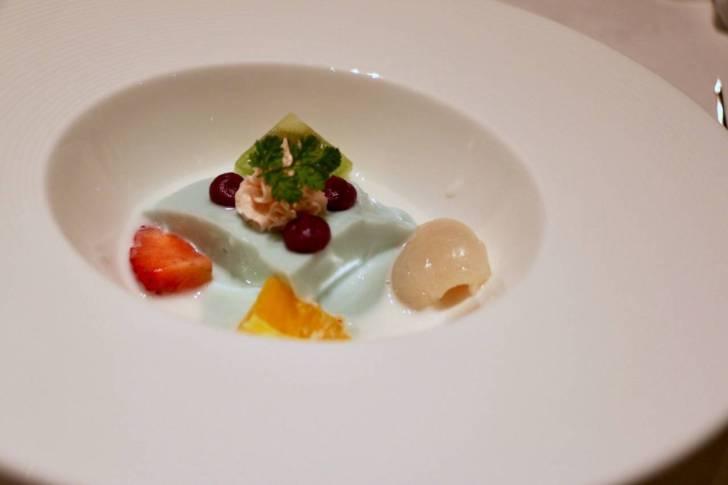 シルクロードガーデンの紫芋とココナッツのプリン
