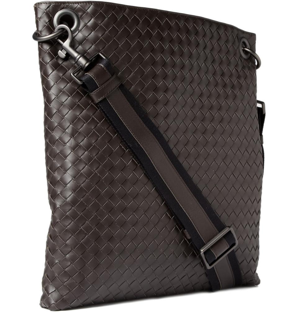 Bottega Veneta Men Intrecciato Leather Messenger Bag