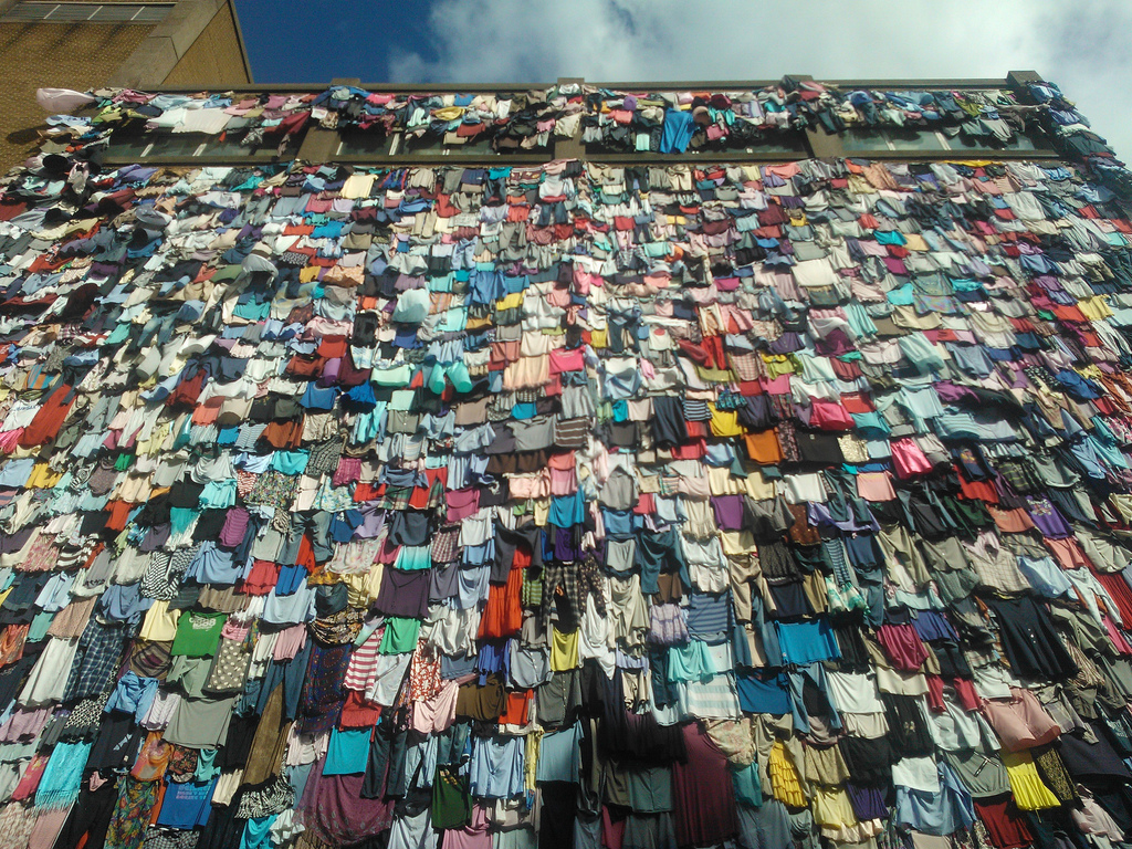 Clothes Wall [Image The Style Note]