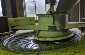 揉捻機 茶葉を揉む機械