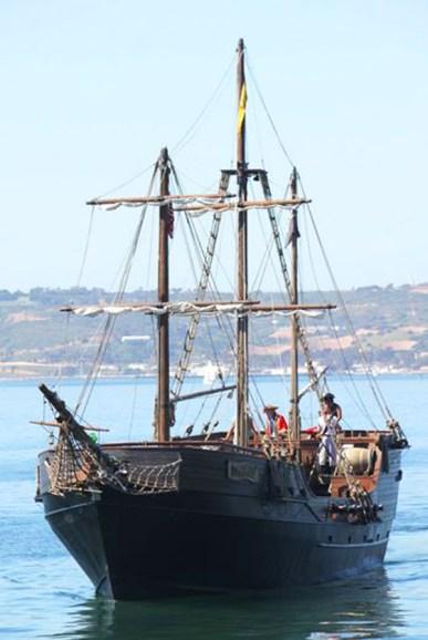 hawaii-pirate-ship2