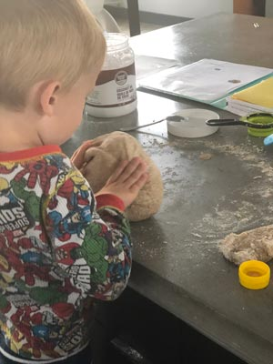 bread, lunch box, mama, bake, baking, back to school
