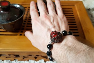 Тактильный браслет из натуральных камней