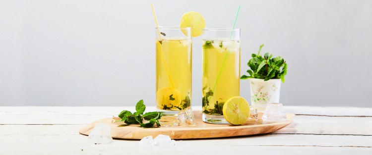 An easy recipe for making iced teas