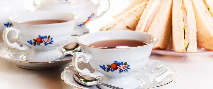 High tea and Afternoon tea in English tea culture
