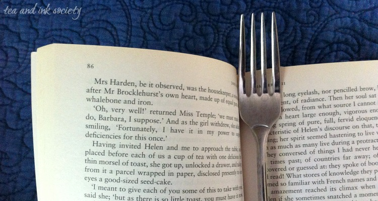 Here are 9 foods mentioned in books that you make and then eat while you read!