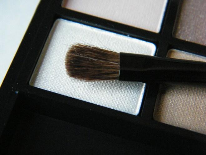 Annabelle Smokey Nudes Eyeshadow Palette Brush