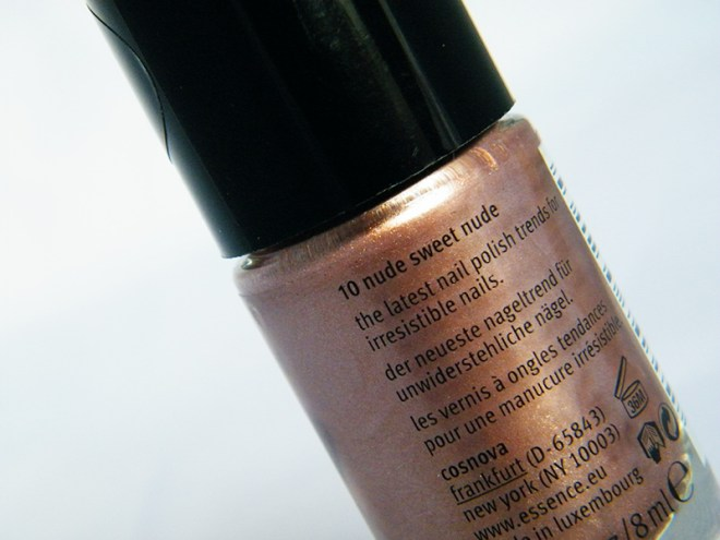 Essence The Nudes - Nude Sweet Nude Bottle