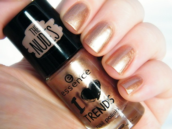 Essence The Nudes - Nude Sweet Nude Swatch