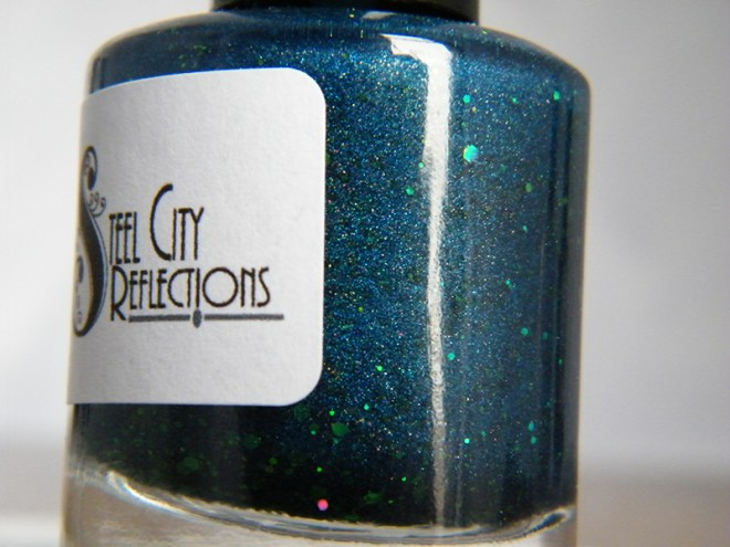 Steel City Reflections Winifred Sanderson Shade Bottle Swatch