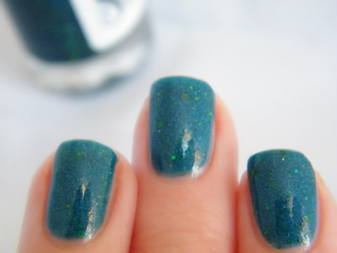 Steel City Reflections Winifred Sanderson Shade Swatch 1