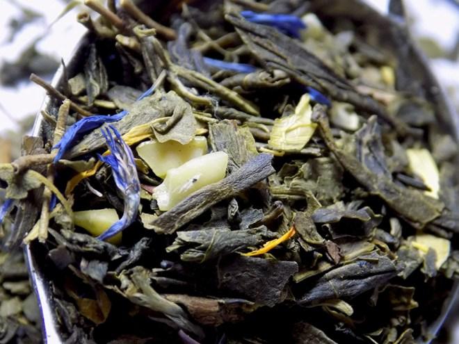 DavidsTea Sweet Almond Green Tea Review - Loose Macro
