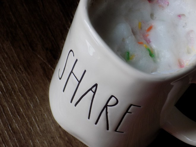Davidstea Birthday Cake Tea Latte Sprinkles