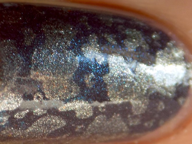 Essie Coat Couture Nail Art - Macro
