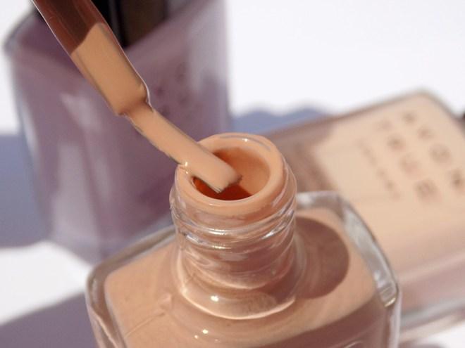 Avon True Color BB Nail Enamel Restoring Beige Bottle Brush