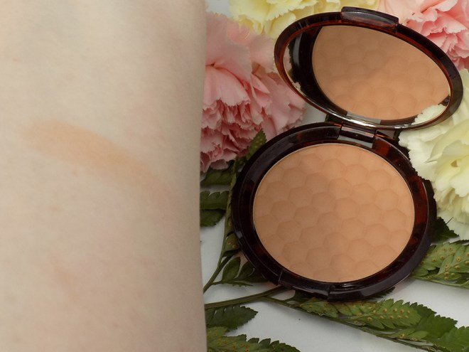 The Body Shop Honey Bronzer Swatch