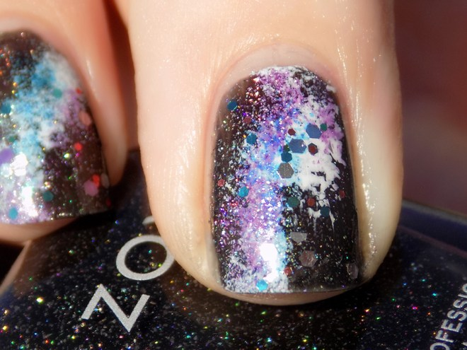 31DC2016 Day 19 - Galaxy Nails Swatch Sunlight Closeup