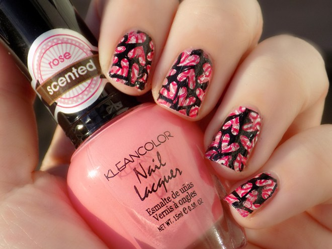 Heart themed double stamped nailart using KleanColor Rose scented polish, MoYou White Knight, Essence Flame Fatale, Born Pretty Black stamping polish and Pueen Fairytale Lover 02