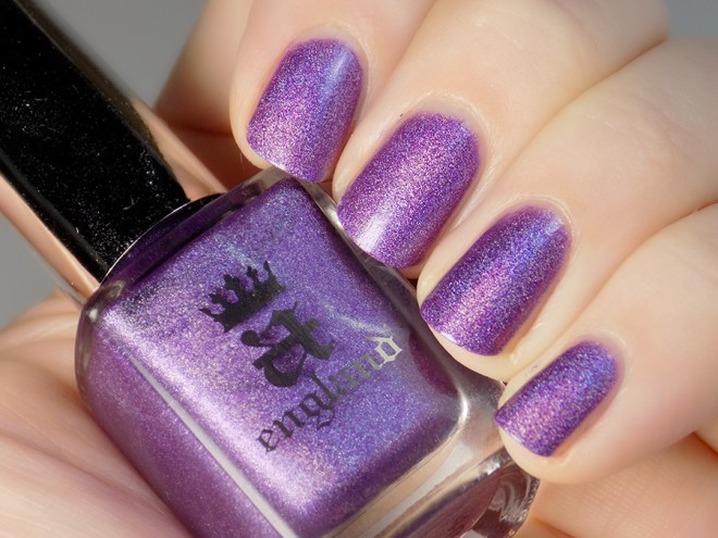 A England - Angel Grace Swatch Artificial Light - Tennysons Romance Collection