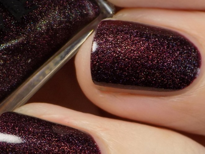 A England - In Robe and Crown Macro Swatch - Tennysons Romance Collection