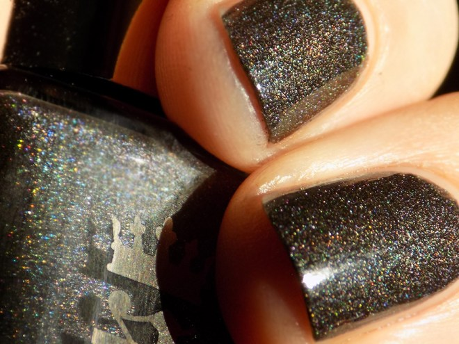 A England - King Cophetua - Macro Swatch and Review - Tennysons Romance Collection