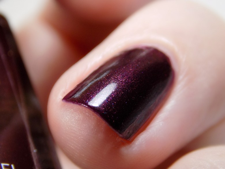 Avon True Color Spring 2017 Nail Polish Night Violet Swatch