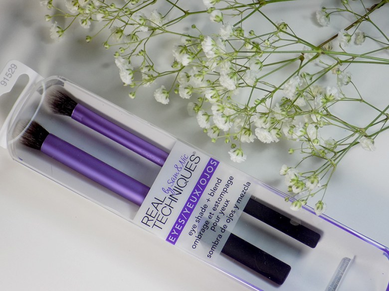 Real Techniques Eye Shade and Blend Duo by Sam and Nic Review by FarleyCo