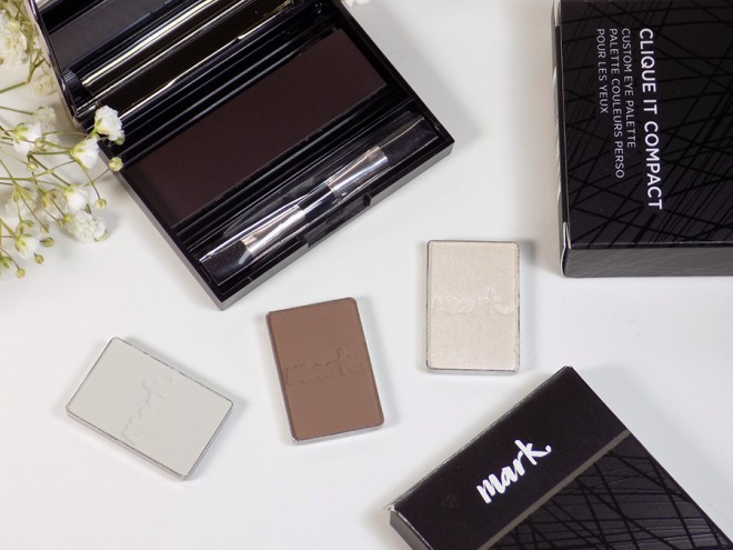 Mark by Avon Clique It Compact with single eyeshadows