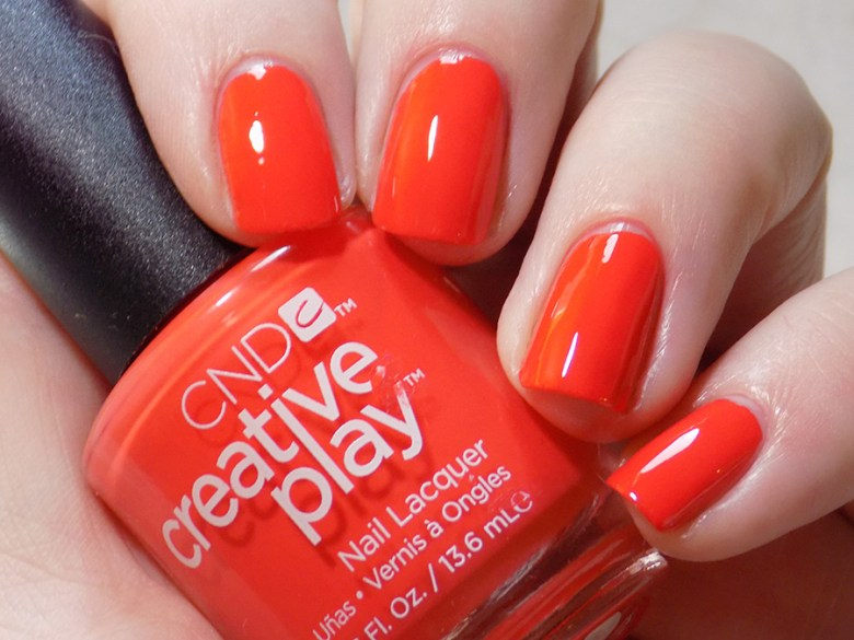 CND Creative Play Tangerine Rush from Sunset Bash Collection - Swatch Artificial Light
