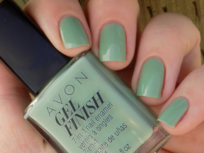 Avon Gel Finish Clover Nail Polish Swatch and Review - Shade