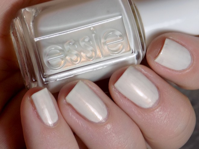 Essie Sweet Souffle - Summer 2017 - Swatches