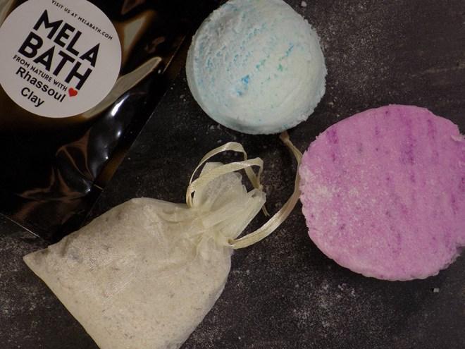 MELA Bath - White Tea and Ginger bath bomb - Ice Cream Scoop - Oatmeal Tea Bath Soak