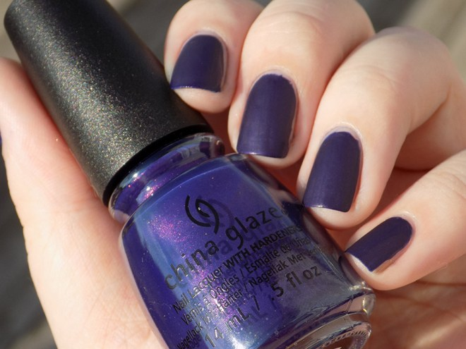 China Glaze Crown for Whatever Halloween Happily Never After Outdoor Natural Lighting Swatch