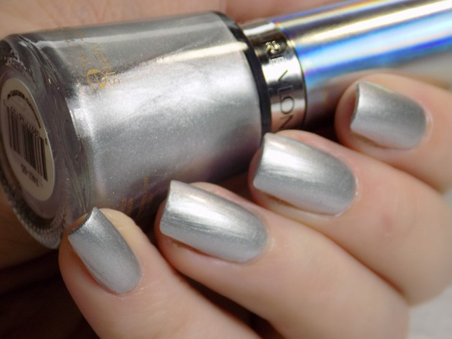 Revlon Molten Magic Swatches Holochrome Collection