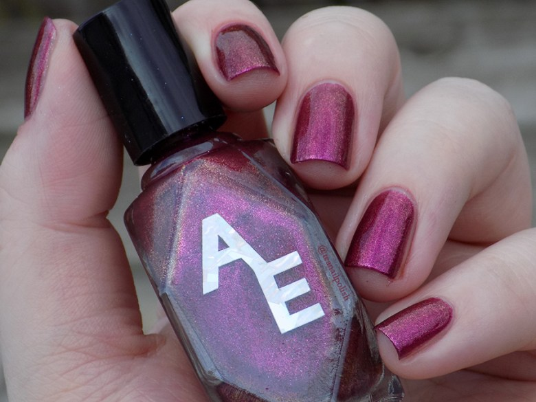 Alter Ego Fan Faves - Shes A Brick House - Shade Swatch