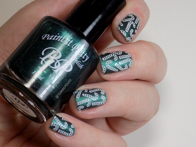 Paint it Pretty Polish Candy to my Cane -- Metallic Holiday Collection 2018 - matte stamped