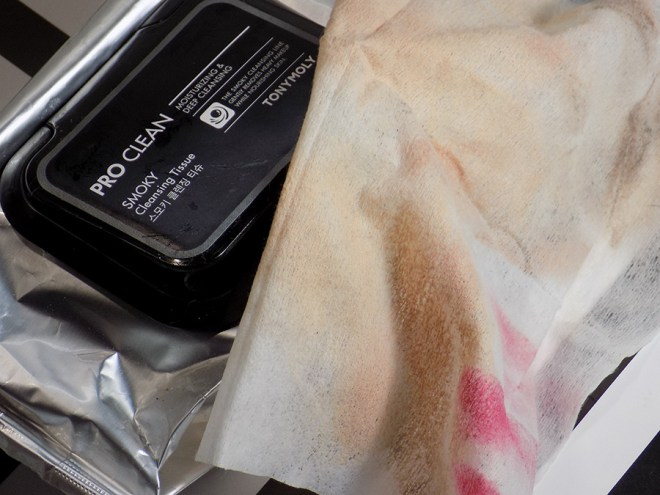 TONYMOLY Pro Clean Smoky Cleansing Tissue Makeup Remover Wipes Testing