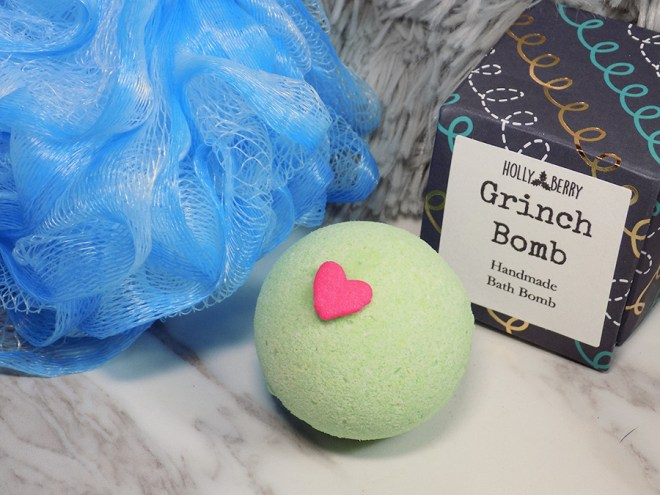 Holly Berry Body Grinch Bomb Bath Bomb