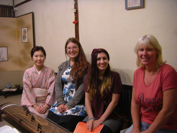 "Japanese traditional instrument ""KOTO"" experience in Kyoto Nishijin"