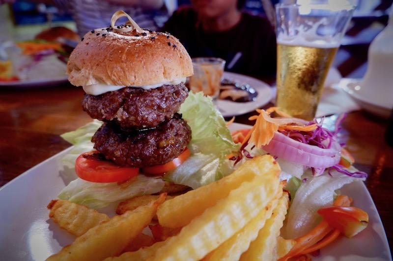 【パーイ】ホームメイドハンバーガーが美味しいカフェ「Cafe de Pai」