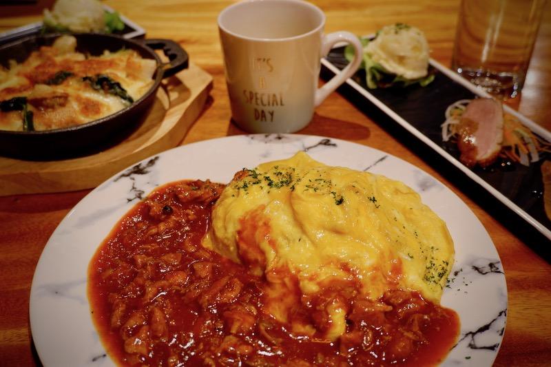 エカマイの日系ビストロ「ポコ・ア・ポコ」で洋食ランチ