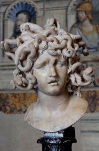 1024px-Medusa_Bernini_Musei_Capitolini