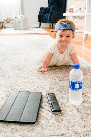 Are you trying to get your baby to crawl? Follow these easy tips and fun activities to teach your baby a new gross motor skill and get your infant to start crawling!