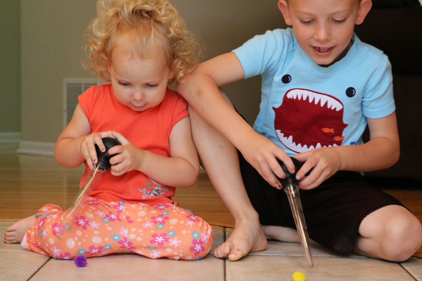 Try these hand & finger strengthening for toddlers, preschoolers, & young kids to improve fine motor skills, grip strength, & coordination