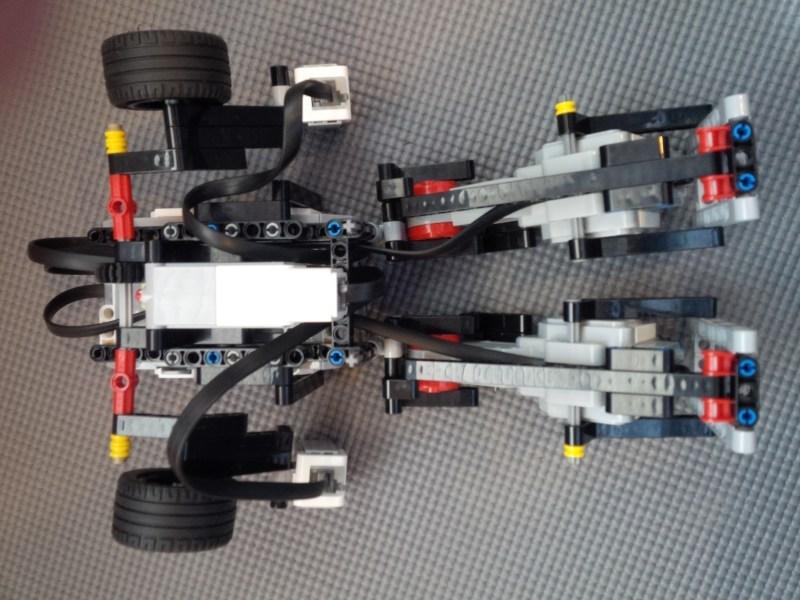 Vue arrière du robot de danse Lego Mindstorms