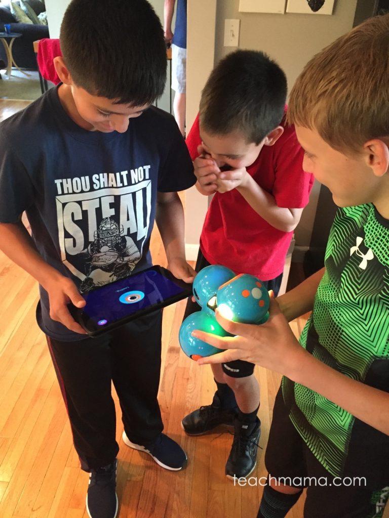 bring STEM to life with Dash and Dot robots Dash   teachmama.com