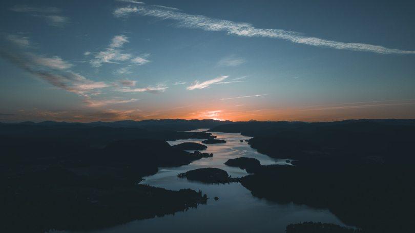 Huck Finn river symbolism