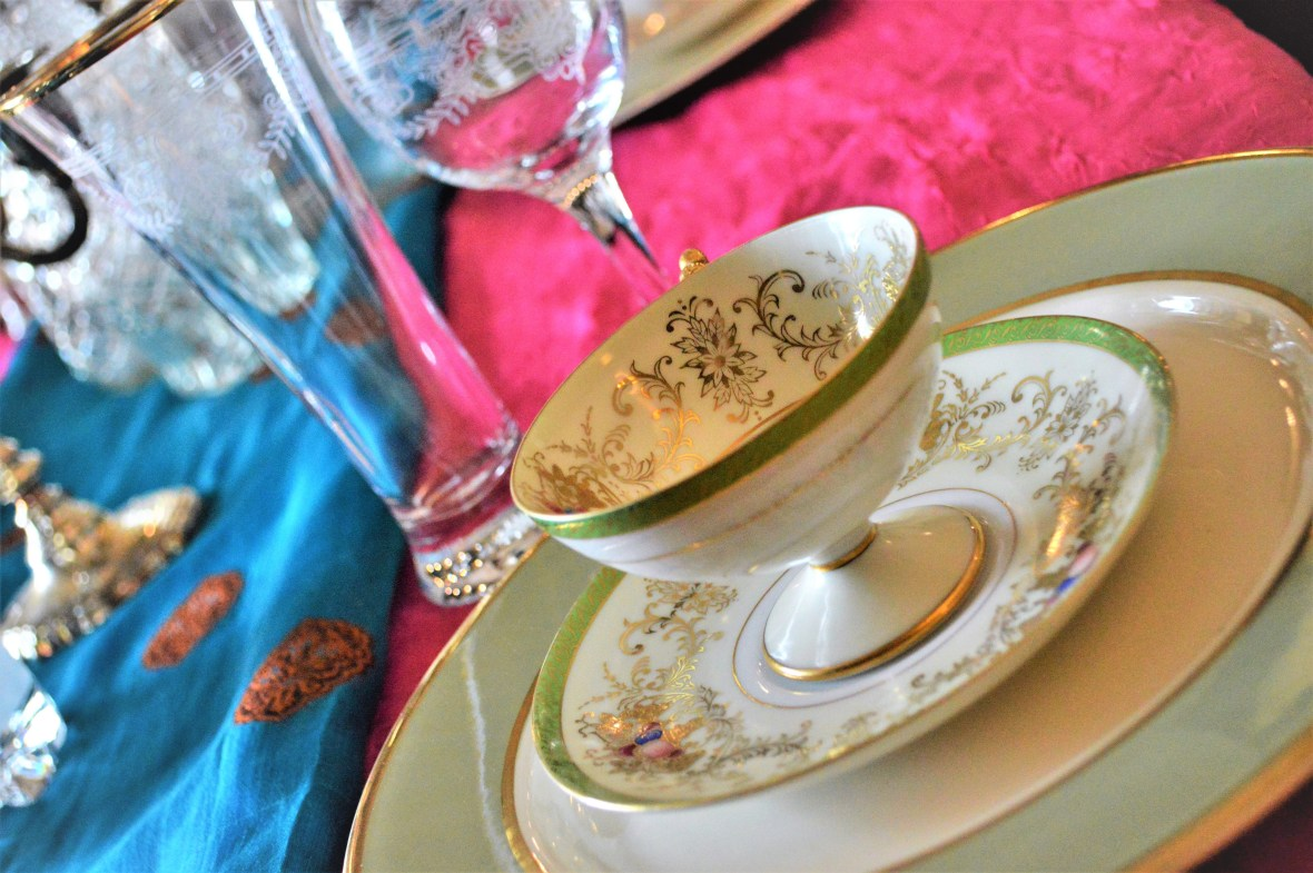 Bridal Platesetting with vintage pieces