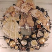 Golden Glory Christmas Wreath
